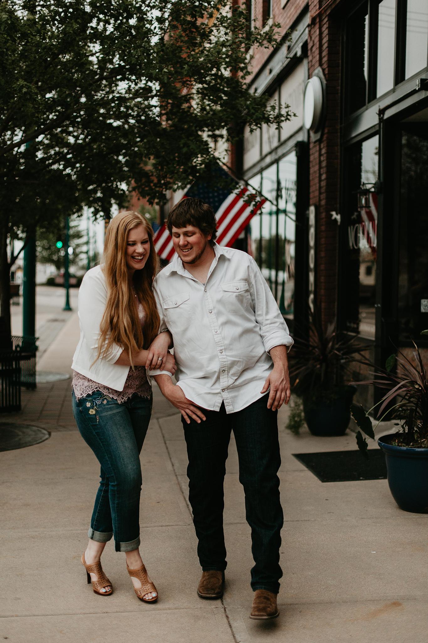 Hutchinson Kansas dating bästa Open avslutade frågor dating